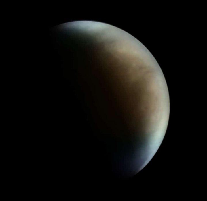 Avril 2020 - Vénus en fausses couleurs (UV/IR) par Michel LEOST